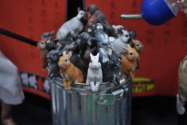 缶にいっぱい詰まってる、ちっこいウサギ